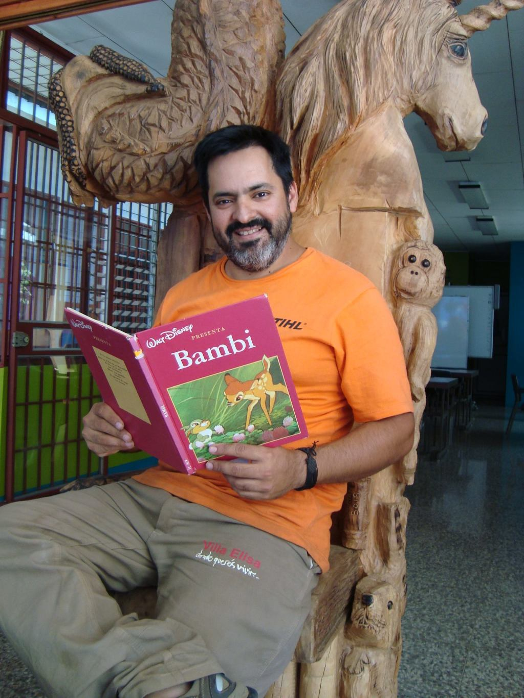 Biblioteca de Santa Ana- Escultor Adrian Bois- Argentina